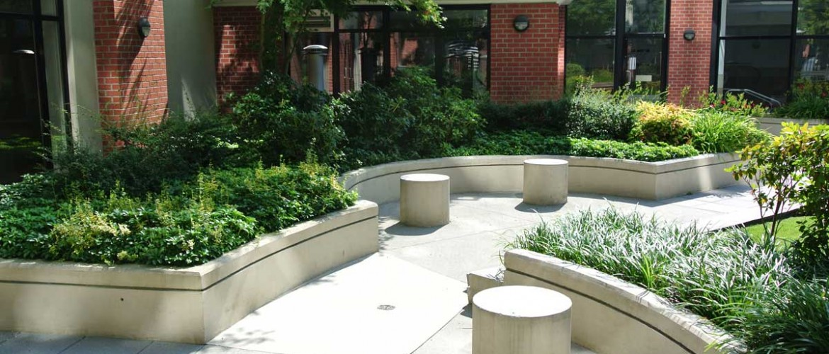 The Point Courtyard Seating